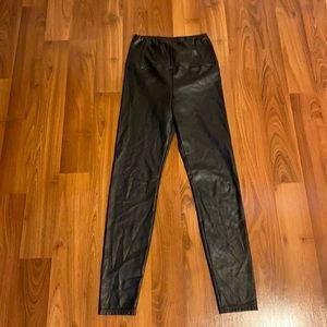 Aritzia Wilfred Free Daria vegan leather ankle length leggings